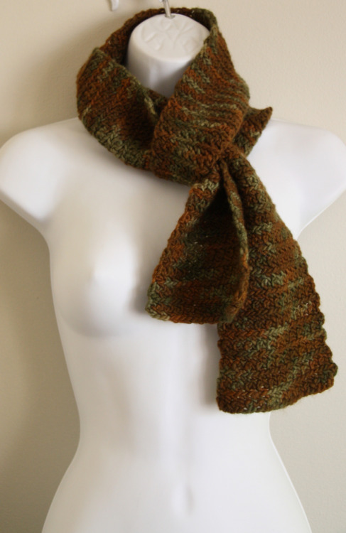 Super luxurious Malabrigo wool scarf in Military green hues!