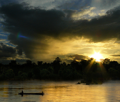 Atmospheric sundog phenomenon (by B℮n) Cambodia