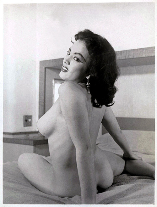 burleskateer:  A very young (and nude!) Tura Satana, from one of her earliest photoshoots..