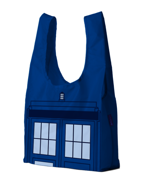 superpunch2:  TARDIS bag up for vote at Threadless.  I would like to buy this