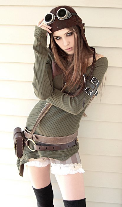 wienerdrizzle:  I love steampunk girls.  Don't we all?
