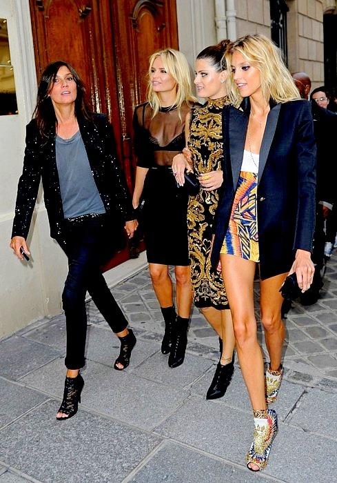 Fashion's Night Out, Paris September 2011 — Can we say Tres Chic? WOW incroyable…  Thanks sheissoft-sheiswarm