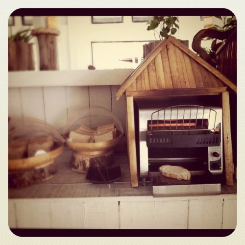 Toasting house #toaster #toasts #bread #wooden #breakfast #house (Taken with instagram)