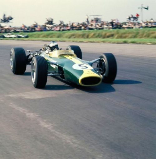Jim Clark at the 1967 British Grand Prix
