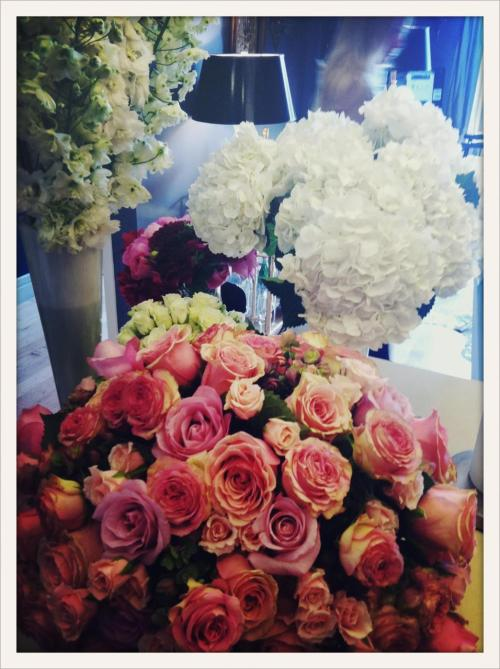 thedecorista:  pretty blooms for photoshoot have arrived. so in love!