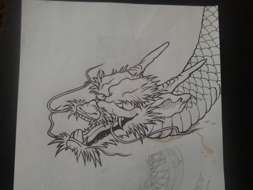 Trying to draw dragons for t shirts. Haaard!!