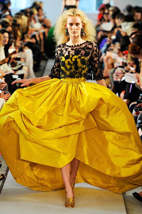 gorgeous as always vogue:  Oscar de la Renta Spring 2012 Photo: Marcio Madeira/firstVIEWVisit Vogue.com for the full collection and review.