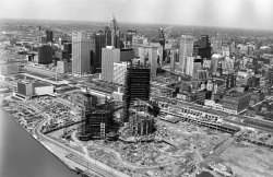 archimaps:  The Renaissance Center under construction, Detroit