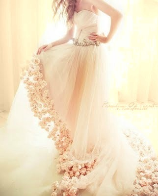 pearlsareperfect:  dear dress….marry me?!