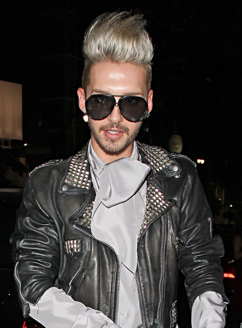 12/09/2011 Los Angeles - Bill & Tom Kaulitz at Katsuya restaurant in Hollywood   I don't care what you think but I find Bill Kaulitz HOT!