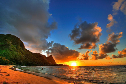 fangornforest-:  Tunnels Beach, Kauai by Kaldoon on Flickr.