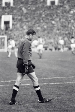 interleaning:  Lev Yashin during his testimonial, 1971.