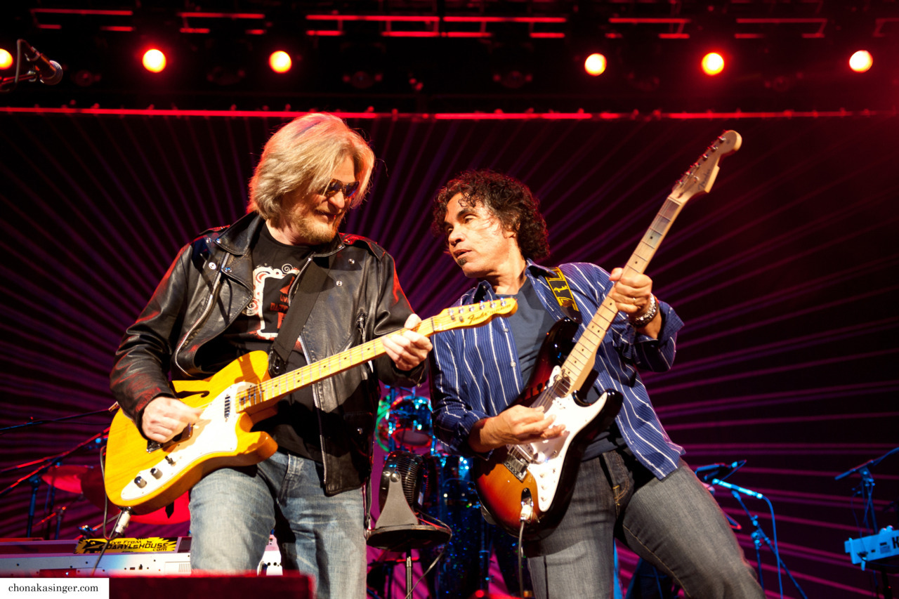 chonasaur:  hall and oates september 2011, seattle