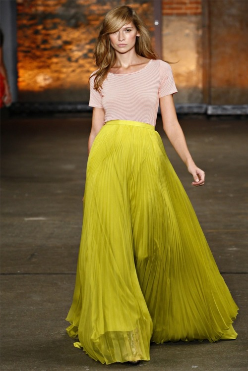 neon-fuchsia:  fashion-ocd:  Christian Siriano Spring 2012  love the mix of colours