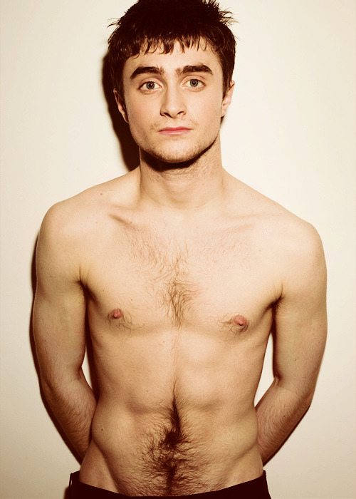 Daniel Radcliffe has the sexiest happy trail.