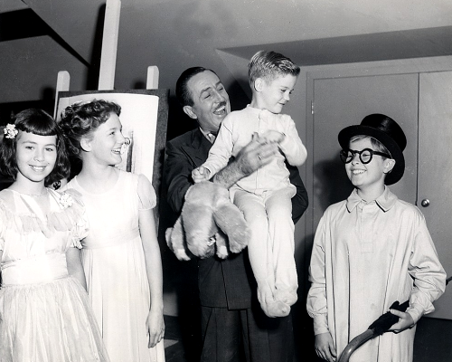 thatdisneyworldblog:  fancysomedisneymagic:  Walt Disney with the child voice actors of Peter Pan (1953).  This is always a must reblog