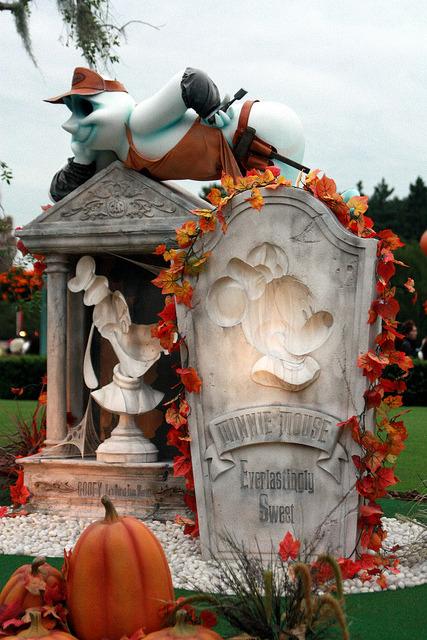 101019 Tokyo Disneyland Disney's Halloween by ナギ (nagi) on Flickr.