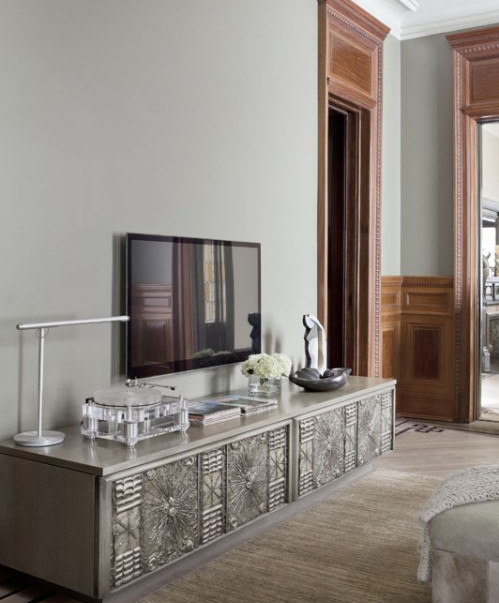 Such a gorgeous silver credenza for the television.