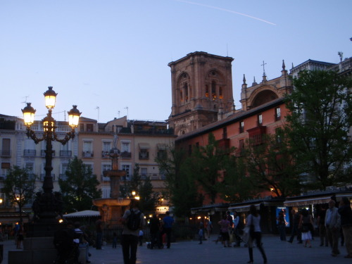 Plaza and Granada Catherdral.