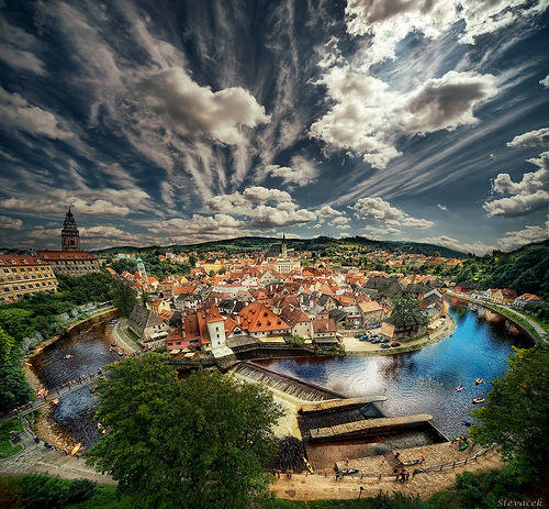 allthingseurope:  Cesky Krumlov, vertorama (by Stevacek)  Submitted by  Canucks-at-heart Thanks :D Czech is love