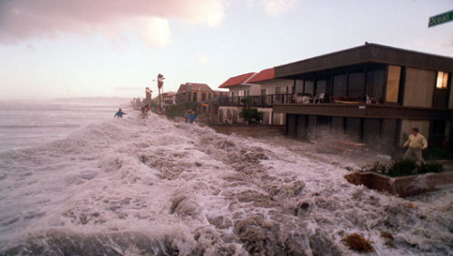 Rising seas expected to wash out key California beachesThe effects of climate change will wash away iconic beaches by century's end, along with millions of dollars in real estate, roads and tax revenues.