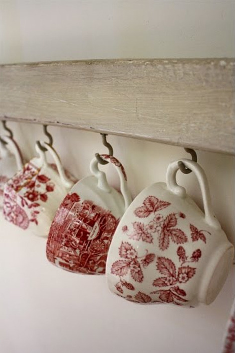 Pretty red china - image: E-Magdeco