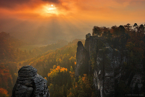 lori-rocks: Light and Rocks II  By Dietrich Bojko