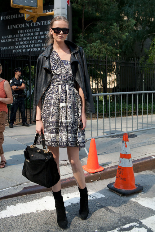 thecut:  Photo: Imaxtree  Fashion Week Street Style: Model Moment. Click for full NYFW Spring 2012 coverage on the Cut.