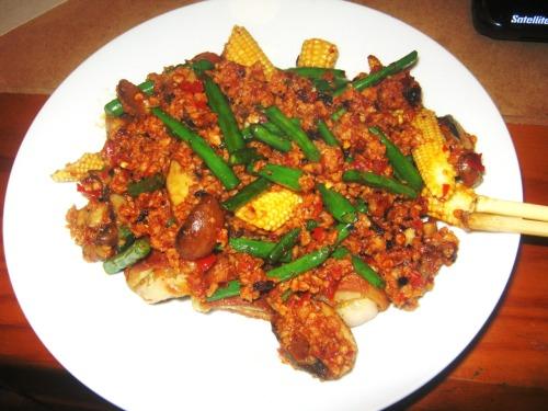 stir-fry veg with chilli bean sauce. Yum :))
