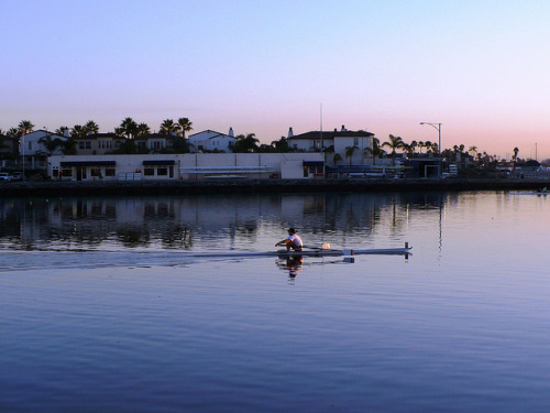 space4ce:  Early Morning Sculling on Flickr.