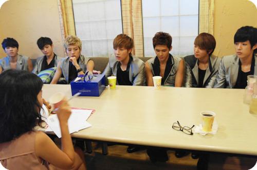 [2011.09.15] Los 7 chicos 'como-sidras' no saben como parar! Tumblr_lrlb7s4gpC1qcjsen