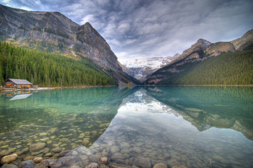 Hello and welcome to the new Banff Photography Blog.  This will be THE place for people to share photos, ideas, tips, tricks, videos and anything photographic!  Banff Photography is located in Banff Alberta Canada.  Serving as the visitor hub for Banff National Park we are nestled in the Canadian Rockies about a 1 hour drive West from Calgary.   Posting to this blog will be myself, Graham Twomey (Director of Photography). Joining me will be Steven Wong (Director of Photo Specialty), Lee Kissel (Manager of our Lake Louise Photo Store), Aaron Wannamaker (Supervisor of Photo Specialty) and Veronica Snair (Supervisor Production Services).  Banff Photography also has incredibly talented  staff that will be posting as well.  I look forward to seeing everyone contributions!