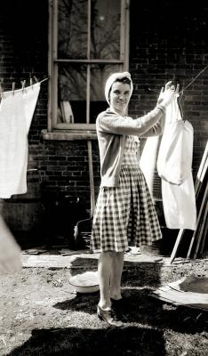 maudelynn:  laundry day, c.1942