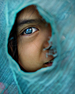 Teal Eye by mykl mabalay on Flickr.