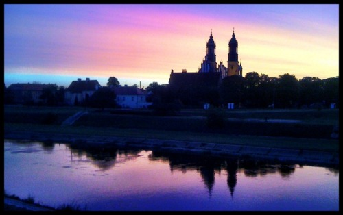 Day 76/365 - The painting Sunrise over the cathedral in Poznań. I used Camera+ (Golden crop, clarity, thin black border). I'm listening to Porcupine Tree - Open Car song.