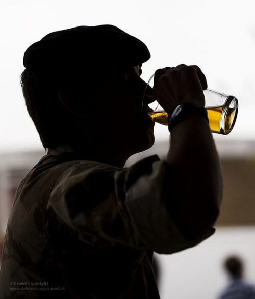 pimpsandmacs:  A Soldier Drinks a Pint of Beer on his Return from Afghanistan by Defence Images on Flickr.
