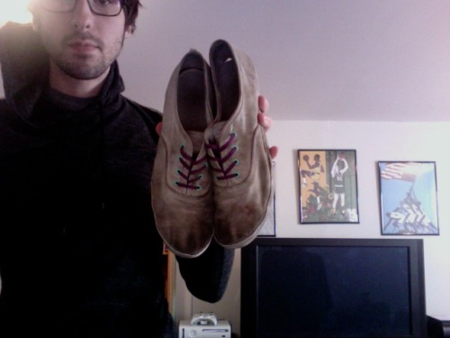 coryeaves:  These might be my favorite sneakers I have ever owned…and they're really not even mine. Jesse bought them, wore them for about a year, and then when he deemed them unwearable, he handed them down to me. I proceeded to run them into the ground every single day over the next two years, and now I'm retiring them for good. RIP Zuriicks.  lets all say a quiet, non-religious prayer for our little friends as they lay down to rest.