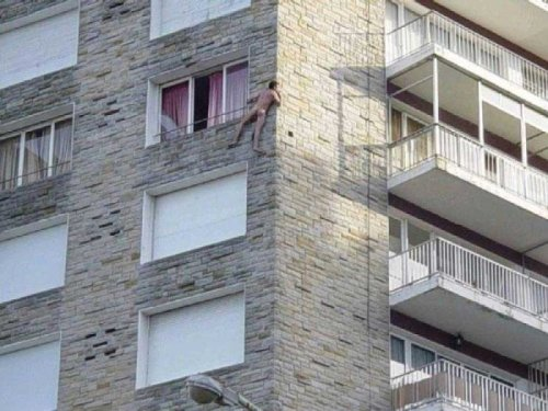 Naked Man Scales Wall Husband comes home early. Hold on for dear life.