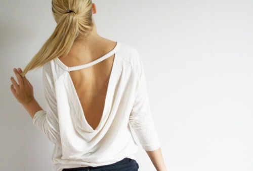 carovan:  Backless beach sweatshirt