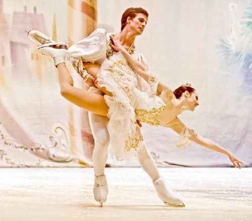 beautiful-shapes:  Nutcracker On Ice St. Petersburg