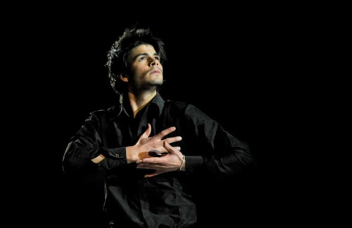 beautiful-shapes:  Stéphane Lambiel, 2008 EX Un giorno, per noi