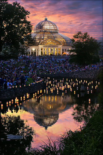 -cityoflove:  Japanese Lantern Lighting Festival at St. Paul, Minnesota via Dan Anderson (OFF with camera problems)