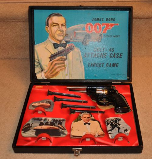 heyoscarwilde:  James Bond Thunderball attache case shooting game from Japan circa 1964 :: via filmtvtoys.com
