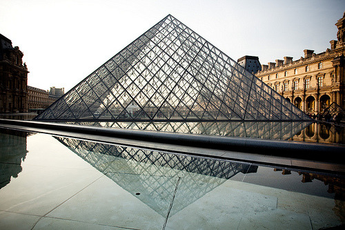 The Louvre (by estherhavens)