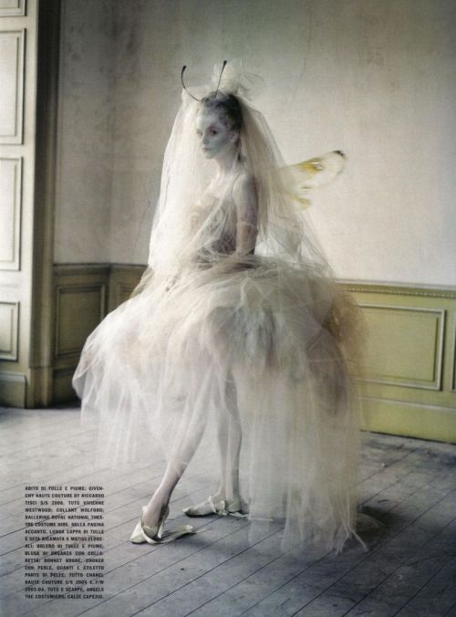 suicideblonde:  Photographed by Tim Walker for Vogue Italia, March 2010