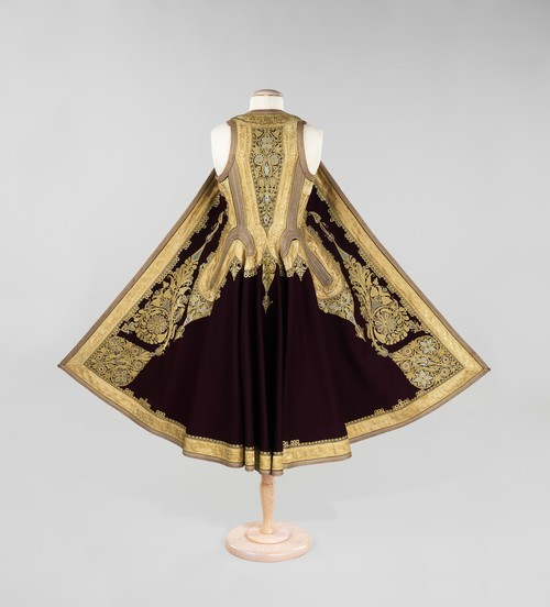 omgthatdress:  Albanian coat via The Costume Institute of the Metropolitan Museum of Art