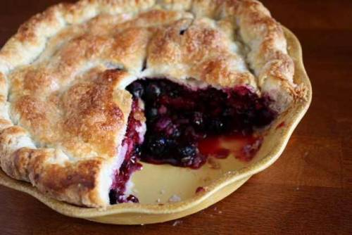 boyfriendreplacement:  Summer Berry Pie Recipe