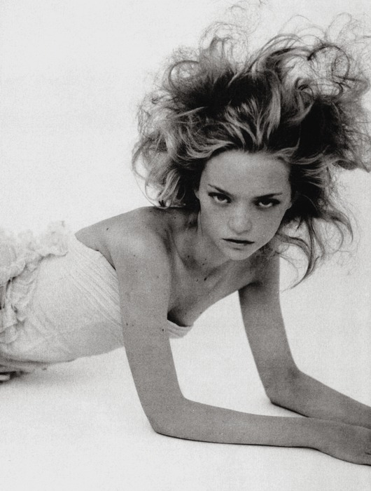 moldavia:  Gemma Ward in Vogue Italia March 2004 by Paolo Roversi