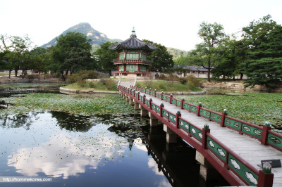 @Gyeongbok Palace, Seoul, Korea  the small pavilion on a pond in Gyeongbok Palace 경복궁 內 연못의 멋진 정자