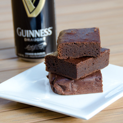 (via The Daily Waffle » Guinness Brownies — Not Cakey, Not Fudgy)